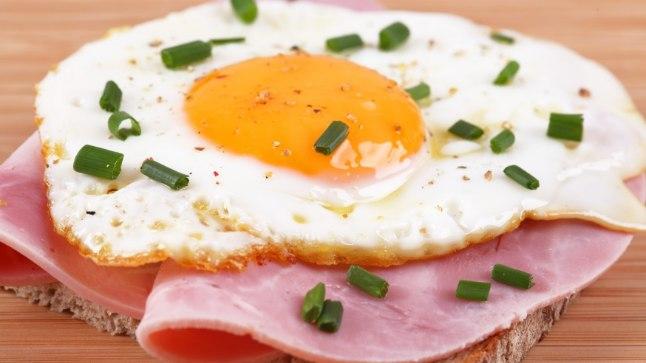 Orgaanilist väävlit leidub liha, kala, linnuliha ja piima kõrval ka munades.