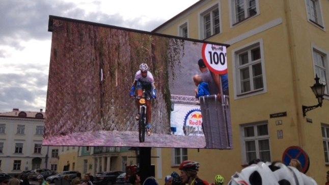 Kitsukesevõitu tänava tõttu olid pealtvaatajate kohad raja ääres limiteeritud. Finišis sai võistluste kulgu jälgida suurelt ekraanilt.