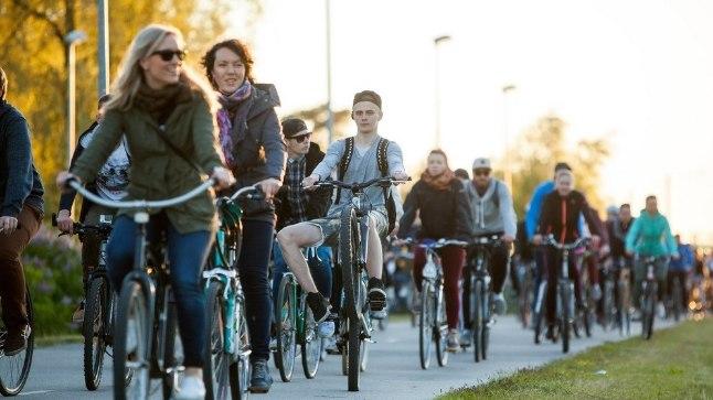 Üks näide liikluskultuuri arusaamast suures grupis.