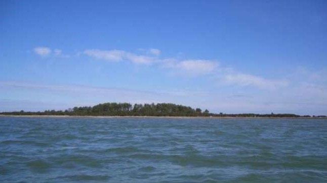 MÜÜGIS: Hõra saar Hiiumaa idarannikul.