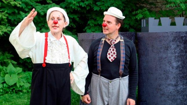Klounid Piip ja Tuut loodavad, et lastel tuleb pärast nende lavastuste nägemist naeratus suule ka järgmisel päeval.