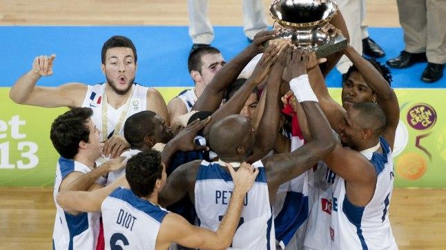 TŠEMPIONID: Prantsusmaa võitis kaks aastat tagasi riigi esimese korvpalli EM-kulla, kui finaalis alistati 80:66 Leedu.