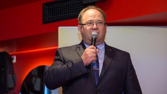 Õhtulehe spordikolumnist Hugo Tipner lahkab seekord EOK presidendi valimiste teemat.
