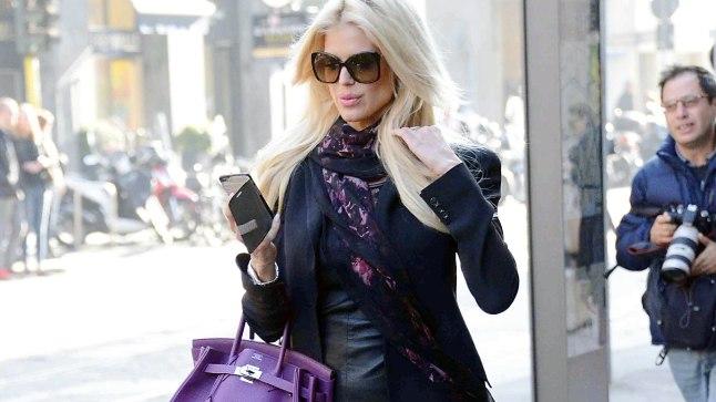 MUSTERNÄIDE: Rootsi päritolu supermodell Victoria Silvstedt on üks neist naistest, kelle garderoob maksab rohkem kui mõne inimese korter.