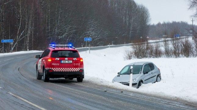 Õnnetus Tartu-Viljandi maanteel Loimes.