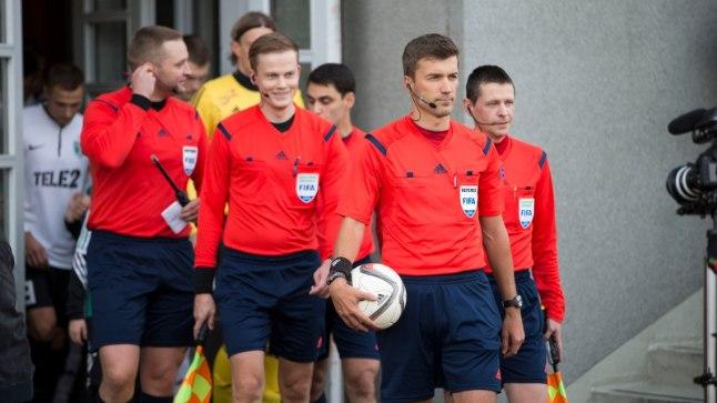 Eesti jalgpalli meistrivõistluste kõrgliiga kohtumisi teenindavatel kohtunikel on keelatud ükskõik millises maailma otsas toimuvatele jalgpallikohtumistele kihlveopanuste tegemine.