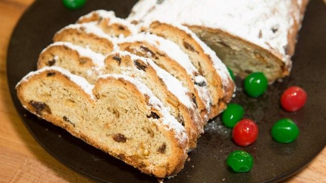 TEE AEGSASTI VALMIS: Stollen on Saksamaalt pärit imemaitsev jõulukeeks. Selle võib valmis küpsetada juba mitu nädalat enne pühi, sest seistes keeksi maitse vaid paraneb.