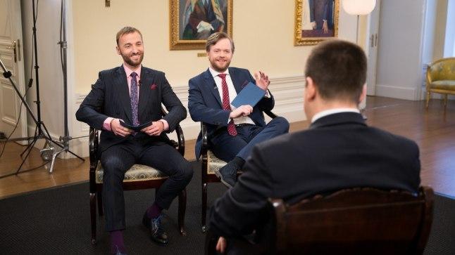 RÕIVASE TROOJA HOBUNE: Peaminister Jüri Ratase intervjuu algus on karm. Tundub, et Märt Avandi ja Ott Sepp ei anna endale aru, et nende ees pole Taavi Rõivas.