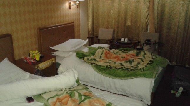 Meie esimene hotellituba Pyongyangis.