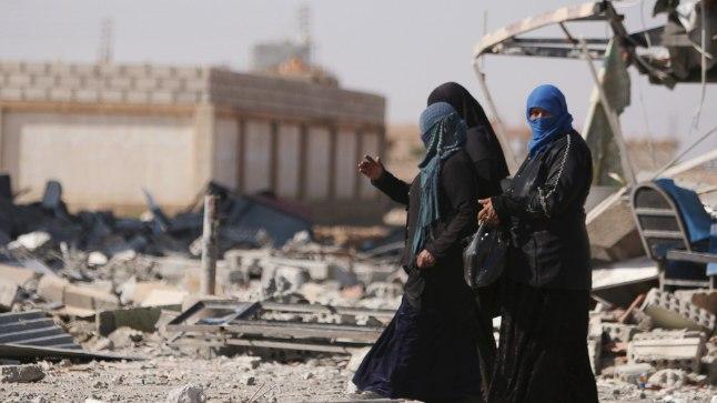 Süüria naised sõjas kannatanud al-Shadadi linnas