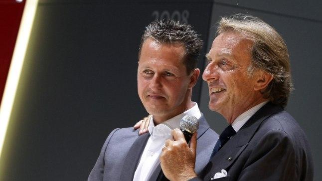 Michael Schumacher (vasakul) ja tema toonane boss Ferraris Luca di Montezemolo 2009. aastal tehtud pildil.