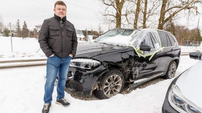 KAHJUMIGA: Aigar Palm tõdeb, et ta oleks saanud auto eest rohkem hüvitist, kui see jäänukski kadunuks.