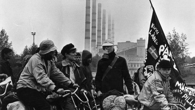 FOSFORIIDI VASTU: Roheliste rattaretk «Kuidas elad, Virumaa?» aastal 1988.
