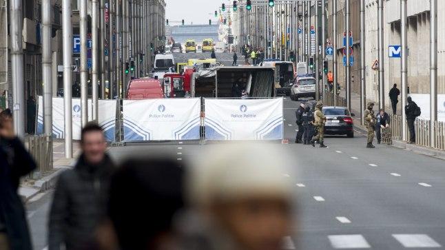 Maelbeek metroojaamas plahvatanud pommi tõttu sulatud tänav.