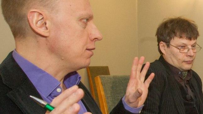 KUIDAS EDASI, EESTIMAALASED? Ahto Lobjakas (vasakult), Andrei Hvostov, Igor Gräzin ja Yana Toom rahvussuhete teemal arutlemas. Probleemkohti paraku jätkub.