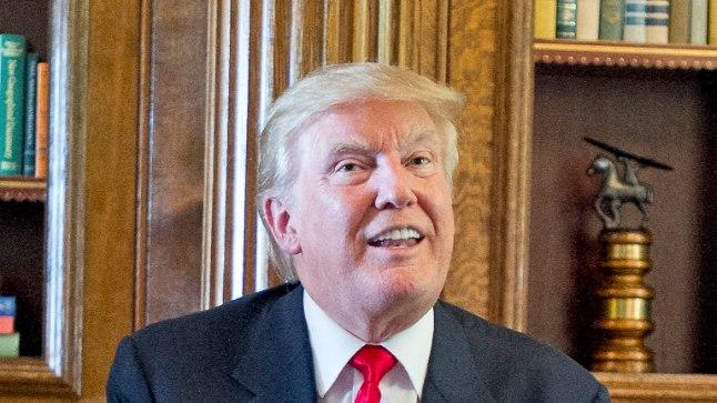NAGU KAKSIKUD: Võrno ja Trumpi vahel on ka märkimisväärne füüsiline sarnasus – mõlemad on pikad ja kogukad, lihavate põskede ja arrogantsi väljendava ilmega. Samuti tundub meestel olevat üks ja sama juuksur.