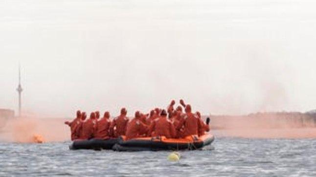 PARVED: Kõik neli päästeparve on omavahel köit pidi ühendatud ja ankrus, et mitte avamerele triivida.