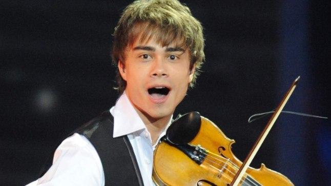 SÄRAV ŠÕUMEES: Alexander Rybak on vallutanud kogu maailma lavad, kuid kirjutab laule teistelegi artistidele. Tema loomingut on esitatud näiteks Malta ja Valgevene Eurovisioni eelvoorus, kuid lõppvõistlusele pole Rybaki uued laulud jõudnud.