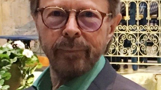 """""""Ringvaate"""" toimetaja Karmel Eikner koos Björn Ulvaeusega."""