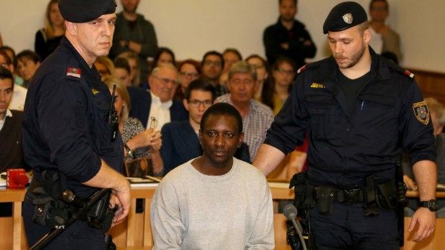 SÜÜPINGIS: Viini maakohus mõistis kolmapäeval Gambiast pärit varjupaigataotleja Abdou Isatou (24, pildil) 25aastase naise tapmise eest eluks ajaks vangi.