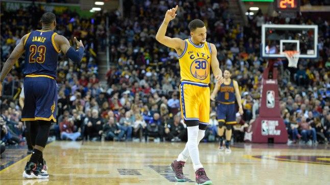 Cleveland Cavaliersi liider LeBron James (vasakul) ja Golden State Warriorsi vedur Stephen Curry.