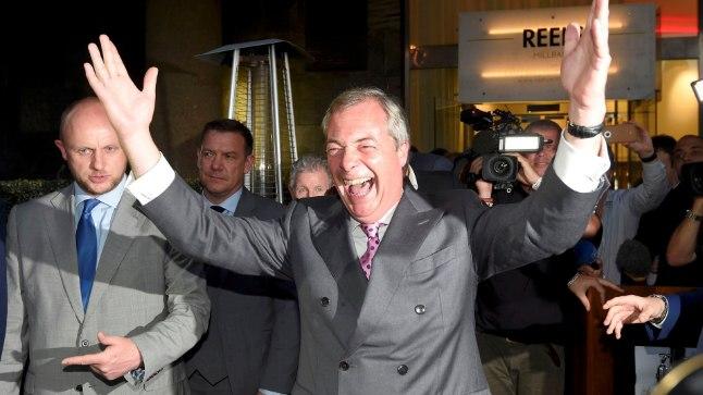VÕITJA: Suurbritannia  Iseseisvuspartei (UKIP) juht Nigel Farage rõõmustab rahvahääletuse tulemuse üle.