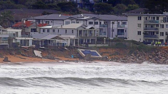 Collaroy rand Sydneys 6. juunil - torm purustas ujumisbasseini.