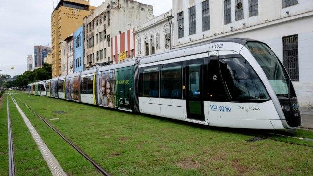 Rio de Janeiro uus tramm VLT, mis andis oma esimesel täistööpäeval otsad.