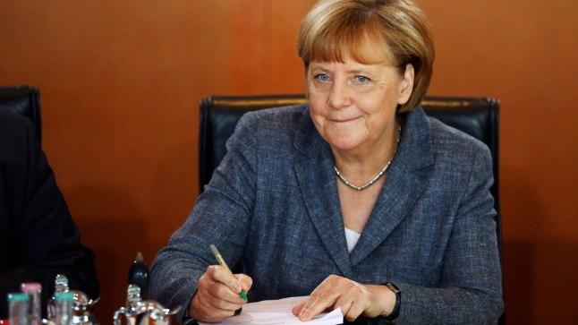 TAGASI: Saksamaa liidukantsler Angela Merkel juhtis eile Berliinis taas valitsuse istungit.