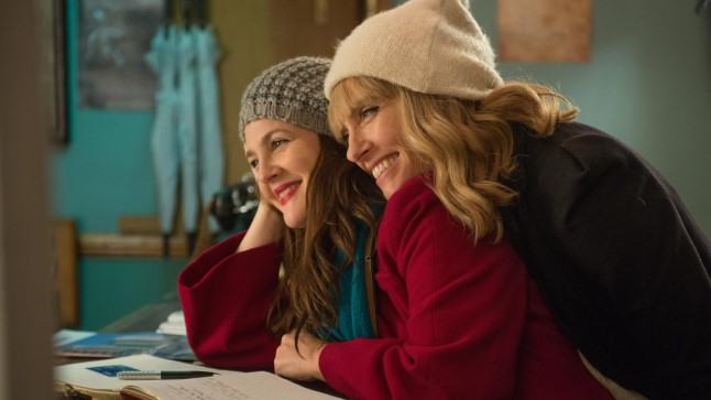 """Reedel kell 23.59 linastub raekoja platsil Catherine Hardwicke'i film """"Juba igatsen su järele"""". See on positiivne, meelelahutuslik ja väga emotsionaalne film kahest lahutamatust sõbrannast. Foto: tARTuFF"""