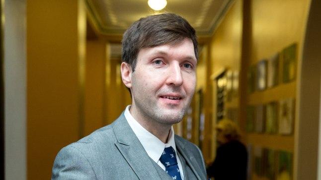 AASTA ŠOVINIST: Martin Helmele valmistab heameelt, et ta on Feministeeriumi aasta šovinisti valimistel kõige tipus – kõige suurem šovinistlik siga.