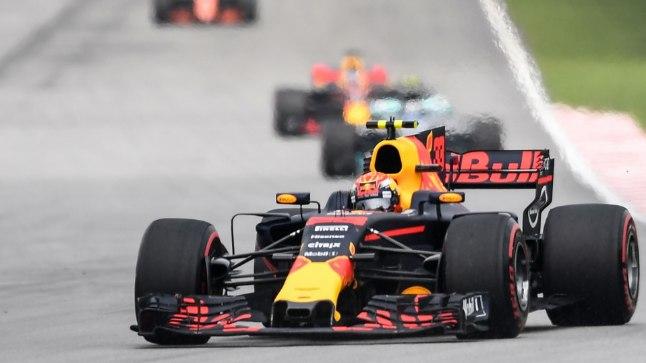 Max Verstappen sõitjaterivi juhtimas.