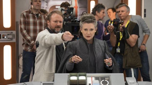 "Režissöör Rian Johnson ja Carrie Fisher ""Viimase jedi"" võtetel."