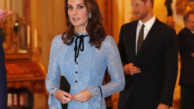 Cambridge'i hertsoginna Catherine 10. oktoobril Buckinghami lossis.