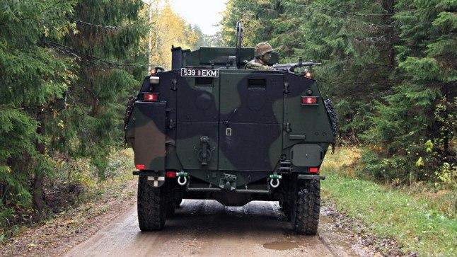Lahingukooli väliharjutus Kuperjanovi ajateenijatega Võrumaal 11. oktoobril 2017.