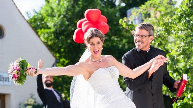 SAAD NUTTA, SAAD NAERDA: vaata, millised on tänavuse aasta parimad pulmafotod!