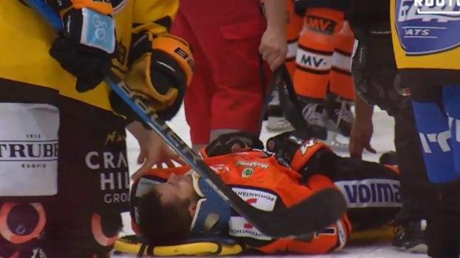 Mathias Porseland lahkus väljakult kanderaamil.