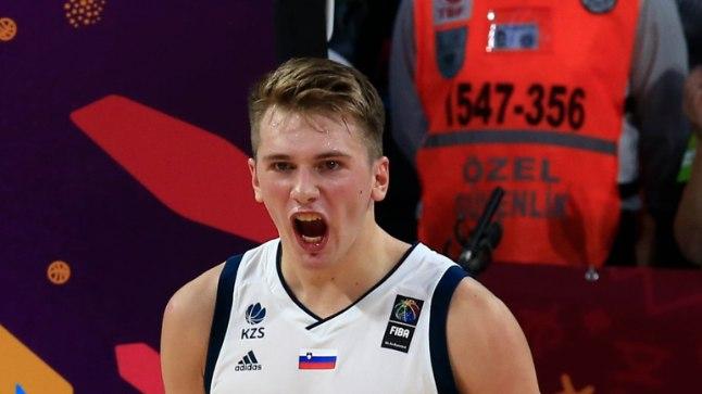 Luka Doncic Sloveenia särgis.