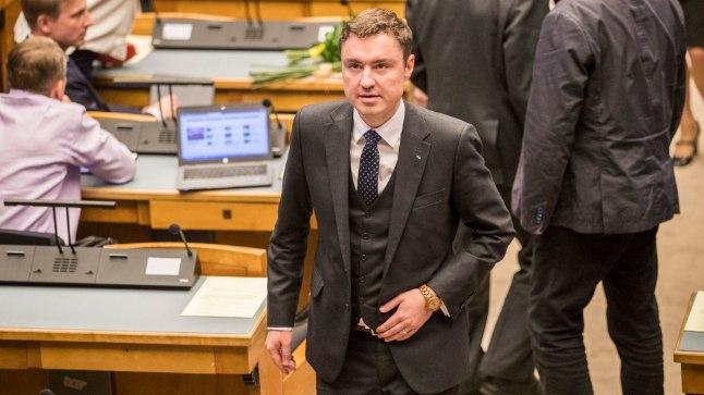 Reformierakondlasest ekspeaminister Taavi Rõivas sattus vahetult enne valimisi ahistamisskandaali