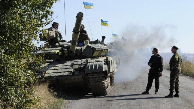 UKRAINA TANKID: Lahingutegevus Donbassis on tänavu vähenenud, kuid suure sõja oht pole veel kadunud.