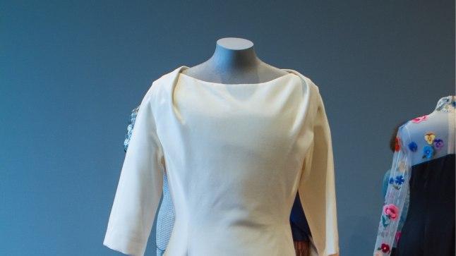 Evelin Ilvese kleit aastast 2013. Kleidi autoriks moedisainer Xenia Joost. Kõnealune kleit tekitas omal ajal kõvasti furoori, sest oli jahmatavalt sarnane Christian Diori pulmakleidiga.