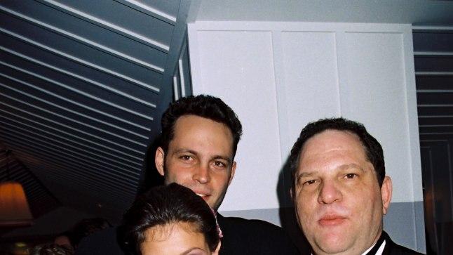 KARMID SÜÜDISTUSED: Näitlejanna Ashley Judd (pildil koos Harvey Weinsteiniga 1997. aastal) väidab, et filmiprodutsent tegi talle hotellitoas siivutu pakkumise ning ta oli sunnitud põgenema.
