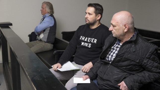 HEATEGIJAD? Eldar Abdullajev (paremalt), Andrei Jepihhin ja Riho Lepik ei näe endal altkäemaksusüüdistuses vähimatki süüd. Pildilt puuduv Meelis Vaarmets jäi kohtusse tulekuga veidi hiljaks, kuid puhas on enda arvates temagi.