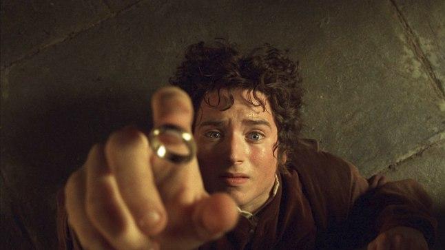"Elijah Wood kääbik Frodona ""Sõrmuse vennaskonnas""."