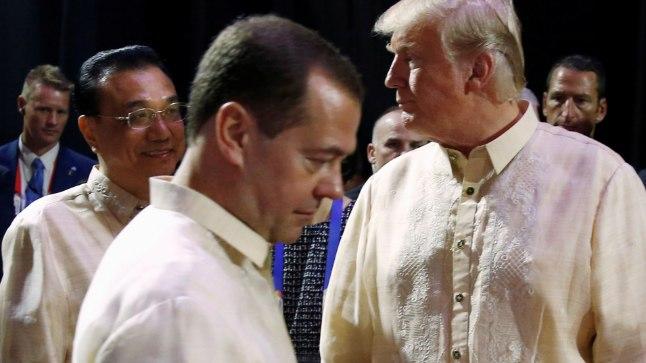 Dmitri Medvedev (vasakul) ja Donald Trump.