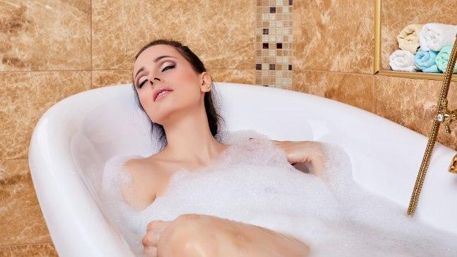 Lõõgastus vannis ja aroomiteraapia aitavad stressi peletada.