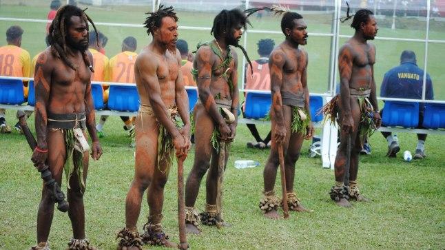 EKSOOTIKA POLE VÕÕRAS. Eesti jalgpallikoondisele meeldib maailma avastada. Vanuatulgi sai mängu eel tutvuda kohaliku kultuuriga.