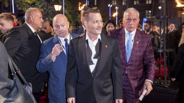 """Johnny Depp 2. novembril Londonis filmi """"Mõrv Idaekspressis"""" maailmaesilinastusel."""