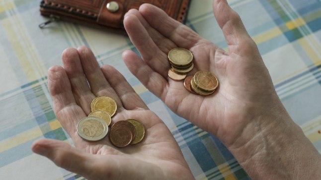 RIIK NÕUAB PABERIT: Tuhanded pensionärid peavad maksuhirmus meelde tuletama või järgi küsima, kas nad on esitanud riigile maksuvaba miinimumi arvestamise avalduse.