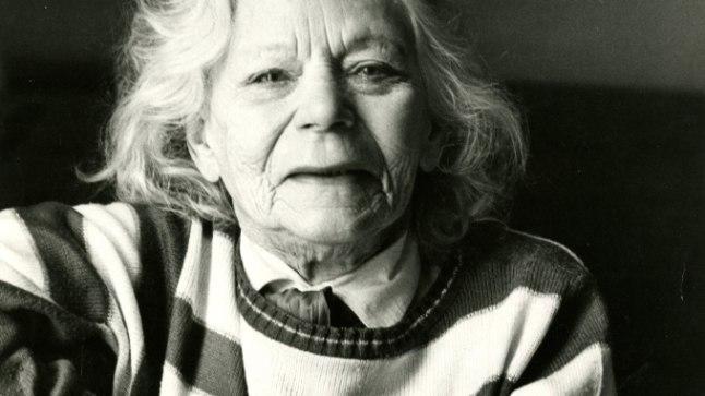 """ELUAEG TEATRIS: Näitleja Salme Reek (1907–1996) töötas Eesti Draamateatris 66 aastat.""""Salme elas niivõrd kaua, et tema põlvkonna inimesed olid kõik juba läinud,"""" mõtiskles Reegi elulooraamatus teatrimees Dajan Ahmet. """"Maria Klenskaja rääkis, et neil oli Draamateatris ütlus: mite keegi ei mäleta Salmet noorena."""""""